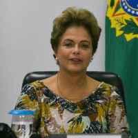 Dilma diz que 'não há hipótese' de interromper o Minha Casa, Minha Vida